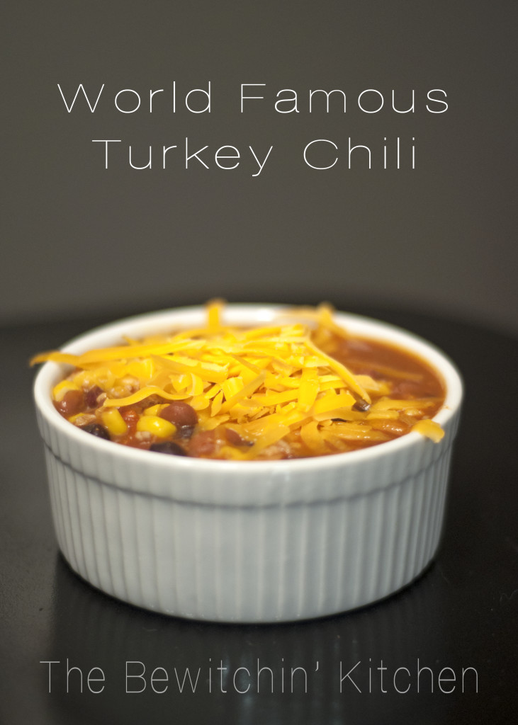 The world's best turkey chili recipe. Its perfect for those crisp fall days! Healthy recipes don't have to be boring!