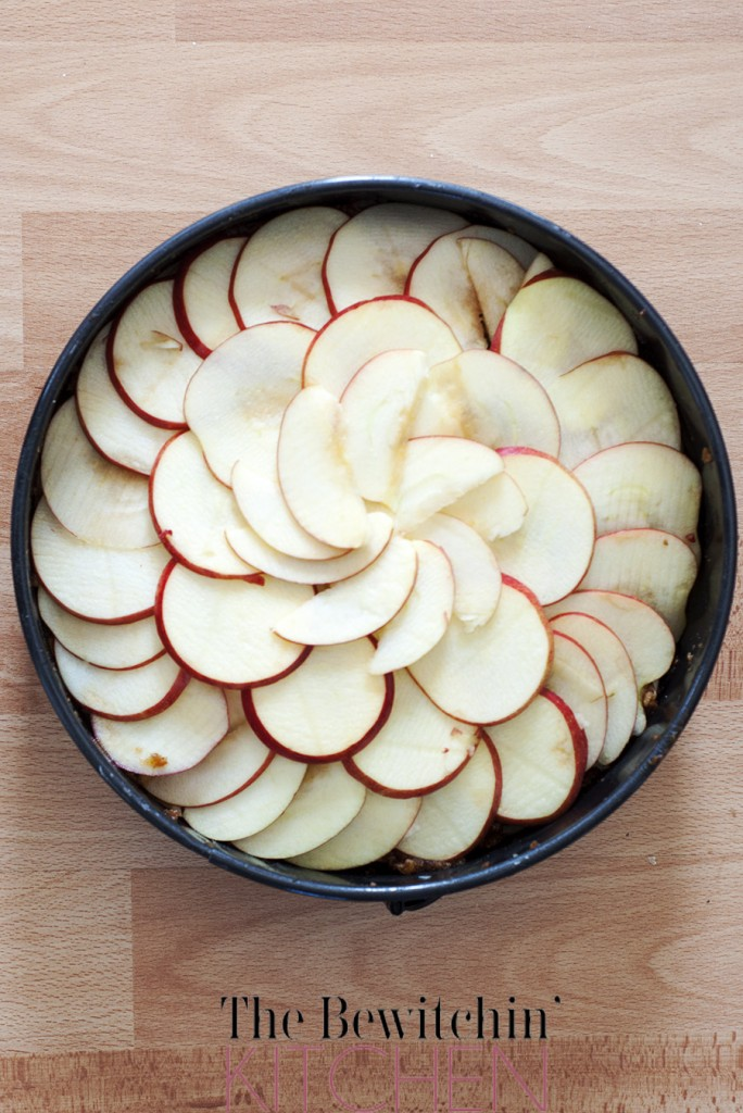 Apple Pie Recipe - No sugar, three ingredients NO flour