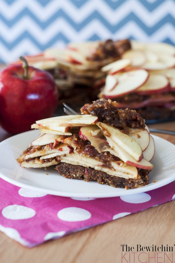 Raw Apple Pie - a healthy twist to add to your desserts board. This recipe uses dates and figs as the crust, which makes this dessert recipe gluten free, refined sugar free, Whole30, vegetarian, vegan, and paleo.