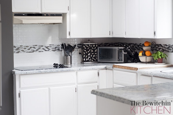 Not time to clean? It's easy to have a Smudge Proof Kitchen