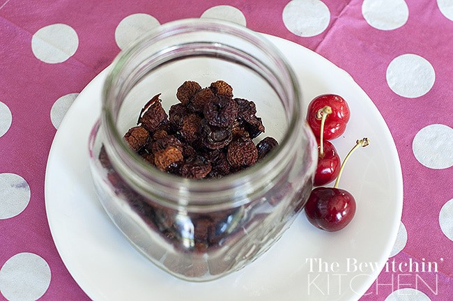 It's so easy to dehydrate cherries