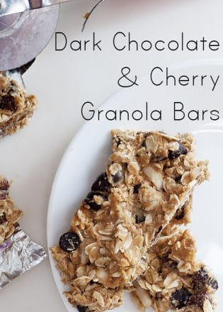 Dark Chocolate and Cherry Granola Bars - this homemade granola bar recipe is full of wholesome ingredients. It's gluten free and is a toddler approved snack. | The Bewitchin' Kitchen
