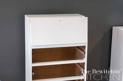 Using vanilla frosting as the first layer in this furniture makeover
