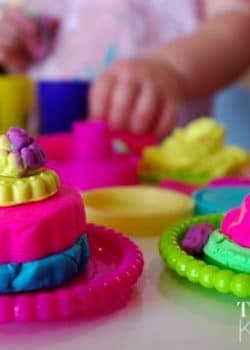 Play-Doh Sweet Shoppe Cakes