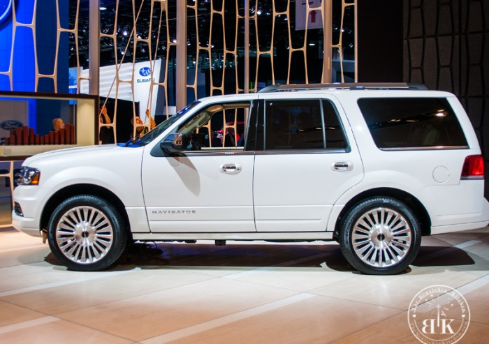 Lincoln Navigator. All new at the North American International Auto Show in Detroit.