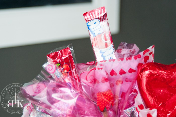 Looking for a DIY gift that's easy but looks amazing? Try a candy bouquet. Here's a how to on The Bewitchin' Kitchen