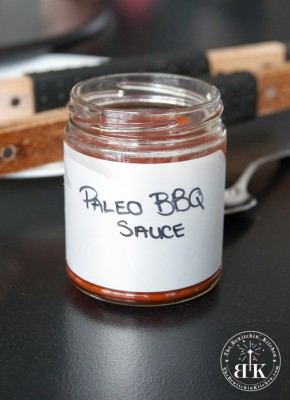 Homemade Paleo BBQ Sauce - this is super easy to make and tastes delicious. Add it to all of your paleo recipes. Tastes great with chicken, turkey and beef. Sure to be a summer bbq recipe favourite. | The Bewitchin' Kitchen
