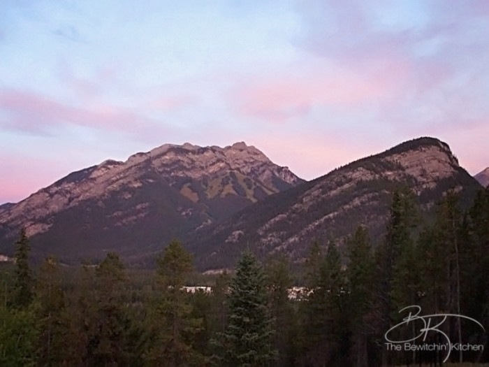 Hidden Ridge Resort in beautiful Banff, Alberta. Such an amazing Canadian travel destination!