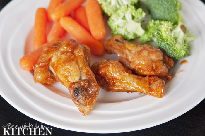 Looking for a fast weeknight dinner idea? These hot wings in a hurry are perfect served with some veggies. Healthy hot wings in only twenty minutes with no prep from The Bewitchin' Kitchen.