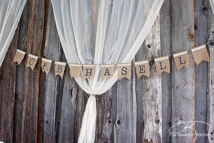 Rustic wedding ideas. These DIY wedding decorations are amazing and look incredibly cute when put together. From wedding decor, to signage to wedding cakes. | The Bewitchin' Kitchen