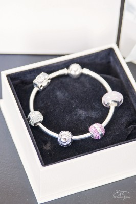 These bracelets and charms from Soufeel are beautiful. Makes amazing gifts for Mother's Day, Graduations and weddings.