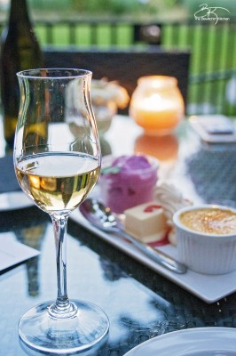 Dining in Osoyoos British Columbia. The Farm to Vine Experience from The Watermark Beach Resort. Add this on your Canadian travel bucket list!