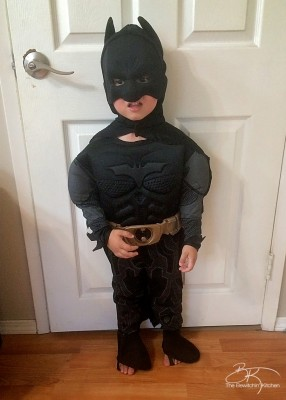 Batman Halloween Superhero Costume for toddlers review from Costume SuperCenter.