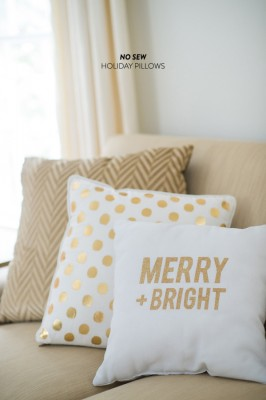 12 Enchanting DIY Christmas Decor Ideas: These beautiful DIY holiday throw pillows from Style Me Pretty will absolutely finish off that indoor shimmer theme and it's no sew!