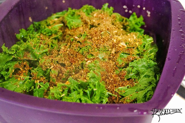 Cheesy BLT Kale Dip - This hot dip recipe is a delicious appetizer that's a party hit! Two of us cleaned the bowl faster than what I care to admit | thebewitchinkitchen.com