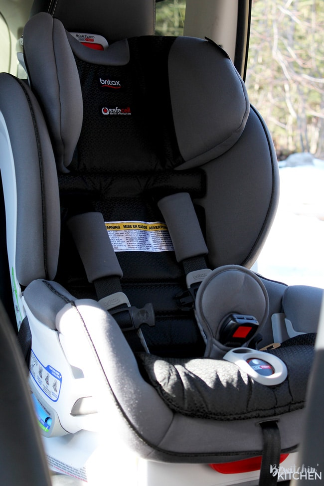 This carseat installs safely in one click. The Britax Boulevard ClickTight is a new parent must have whether it's your first baby or 7th! I am so impressed with this car seat with both it's safety and easy of use. It takes less than 5 mins!
