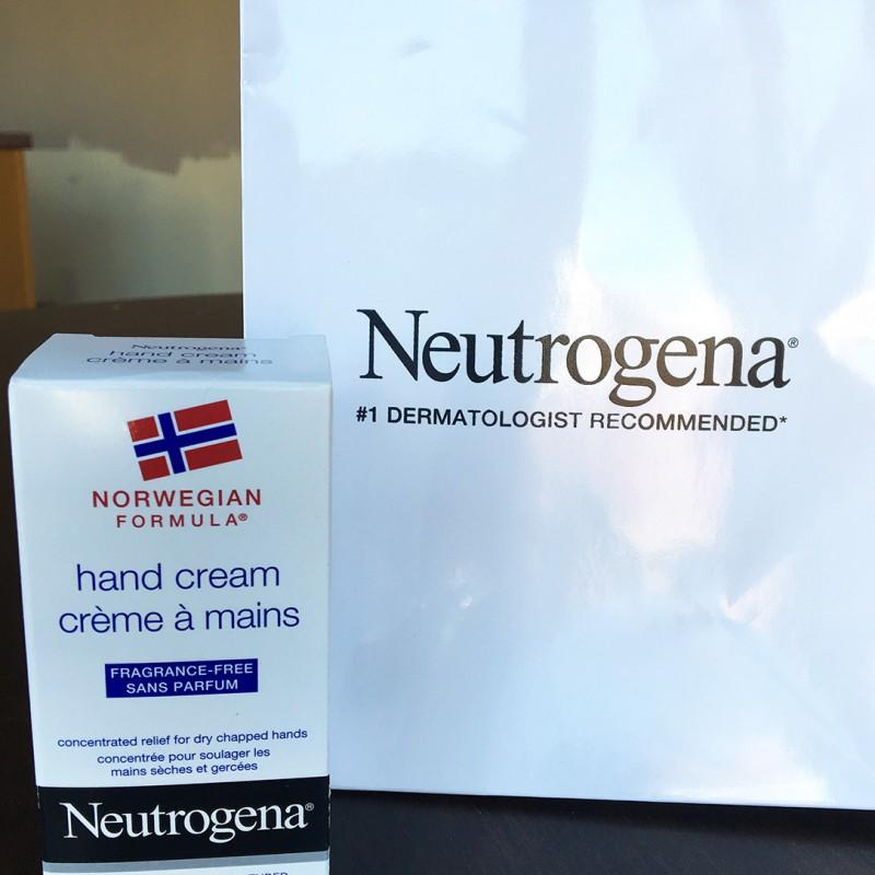 Neutrogena Norwegian Formula Hand Cream #NeutrogenaHandOff #NeutrogenaCA