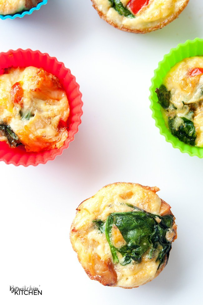 Chicken Breakfast Muffins. These chicken and egg muffins don't have to be just for breakfast. This 21 Day Fix approved recipe is also a delicious healthy snack, nutritious lunch and even works for a clean dinner. This recipe is also approved for 22 Minute Hard Corps, Hammer and Chisel, Cize, etc | thebewitchinkitchen.com #chickendotca