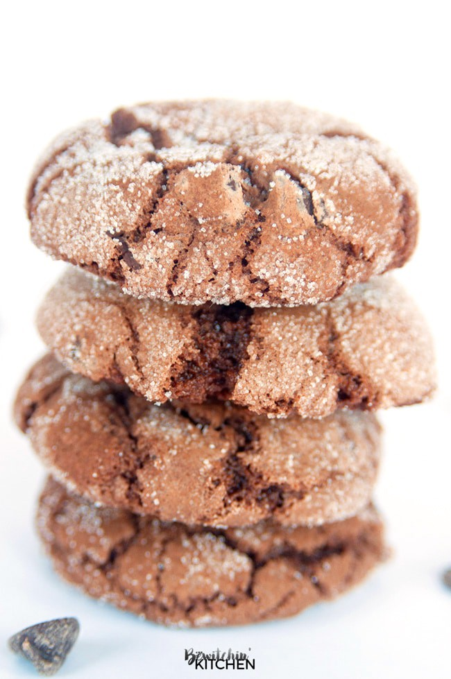 You'll never believe these Chocolate Crinkle Cookies are gluten free! Gluten Free Double Chocolate Cookies - yum! Dark chocolate, butter, chocolate chips, vanilla all make this chocolate cookie recipe to die for!