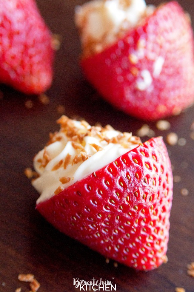OMG Coconut Cheesecake Stuffed Strawberries! This dessert recipe is ...