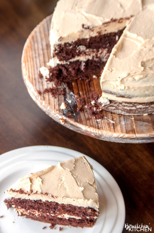 Baileys Buttercream Frosting. Best frosting recipe ever! This creamy cake icing recipe has the decadent bite of irish cream. Delicious on chocolate cake!