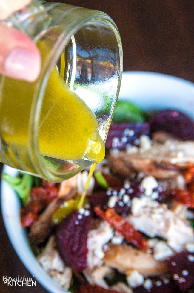 Pesto Vinaigrette - a delicious, tangy yet sweet salad dressing. This 21 day fix approved vinaigrette is a favorite homemade salad vinaigrette recipe.