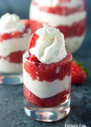 Strawberry Rhubarb Parfaits - an easy no bake dessert using greek yogurt and strawberry rhubarb pie filling.