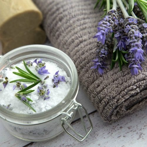 DIY detox bath. This detox recipe is quick and easy and you probably have everything you need in your pantry.