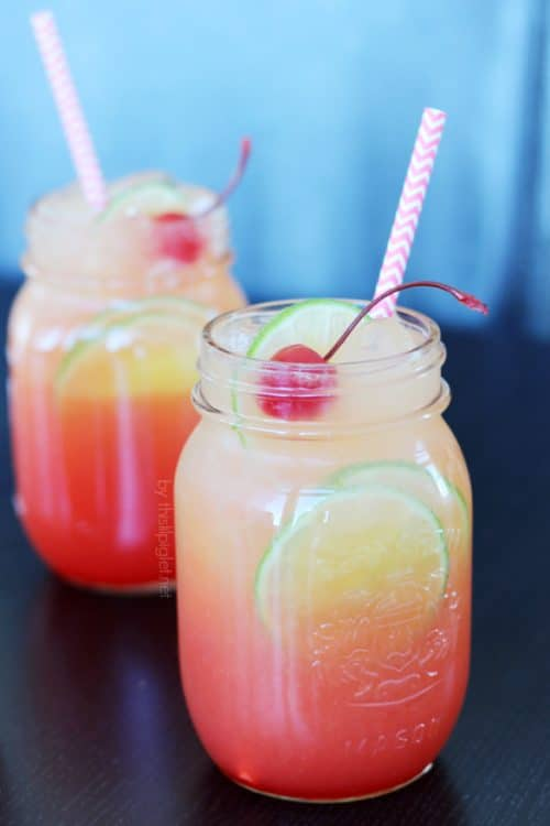 Shirley Temple - 23 mocktail recipes that are damn tasty! Fancy drinks that have no booze in them, perfect for afternoon sips, fancy kid drinks or a festive pregnancy beverage.