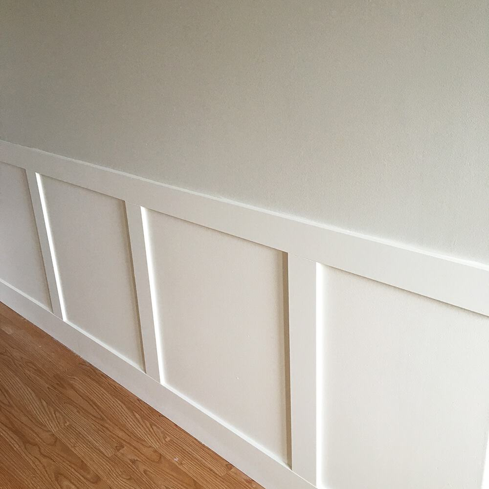 Super easy diy wainscoting the bewitchin 39 kitchen Images of wainscoting in bedrooms