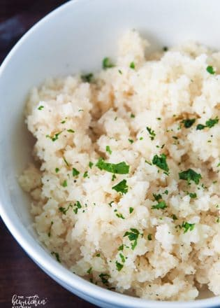 How to make cauliflower rice. Is there anything cauliflower can't do? Whole30, Paleo and 21 Day Fix approved.