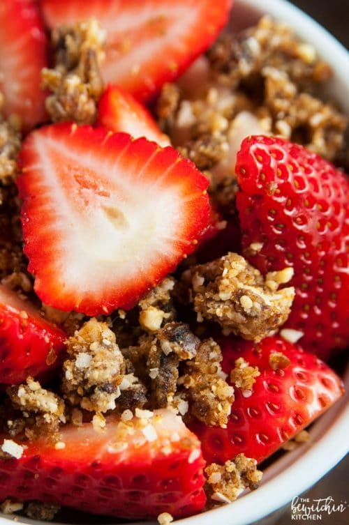 Strawberries with coconut cashew crumble whole30 dessert recipe whole30 dessert idea strawberries with coconut cashew crumble its so darn yummy a forumfinder Choice Image