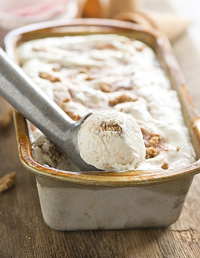 No Churn Rhubarb Crisp Ice Cream. Homemade ice cream recipes are so easy to do! It makes the best summer dessert!