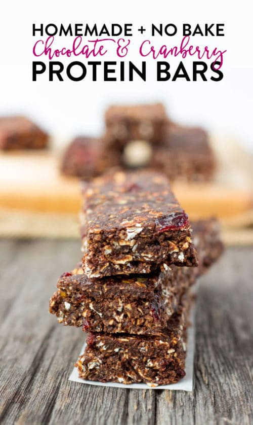 Homemade protein bars with chocolate and cranberry. This easy recipe is no bake, little ingredients and dairy free, gluten free, and refined sugar free. Great source of protein or for a healthy snack or lunch.