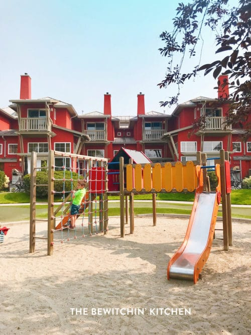Where to stay in Kelowna. Kid's playground at Manteo resort