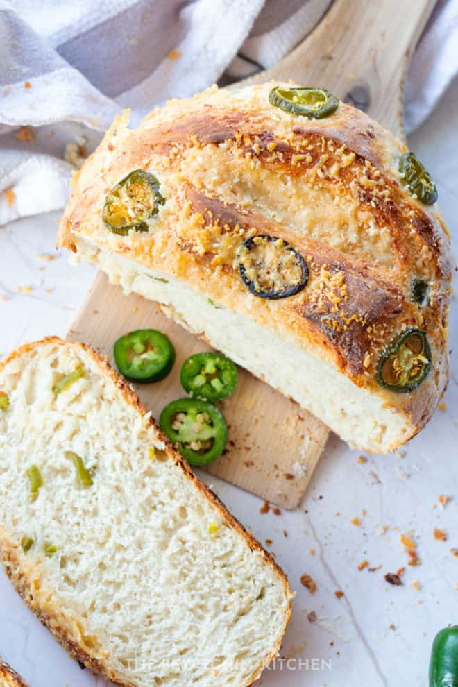 sliced parmesan bread with jalapenos